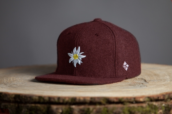 """Edelweiss"" - rot (Fitted Cap)"