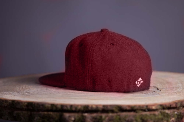 """Edelweiß"" - rot (Fitted Cap)"